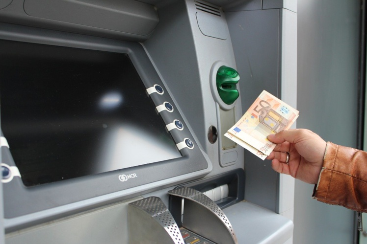 Pas de risque de pénurie de billets dans les distributeurs, selon la Banque de France