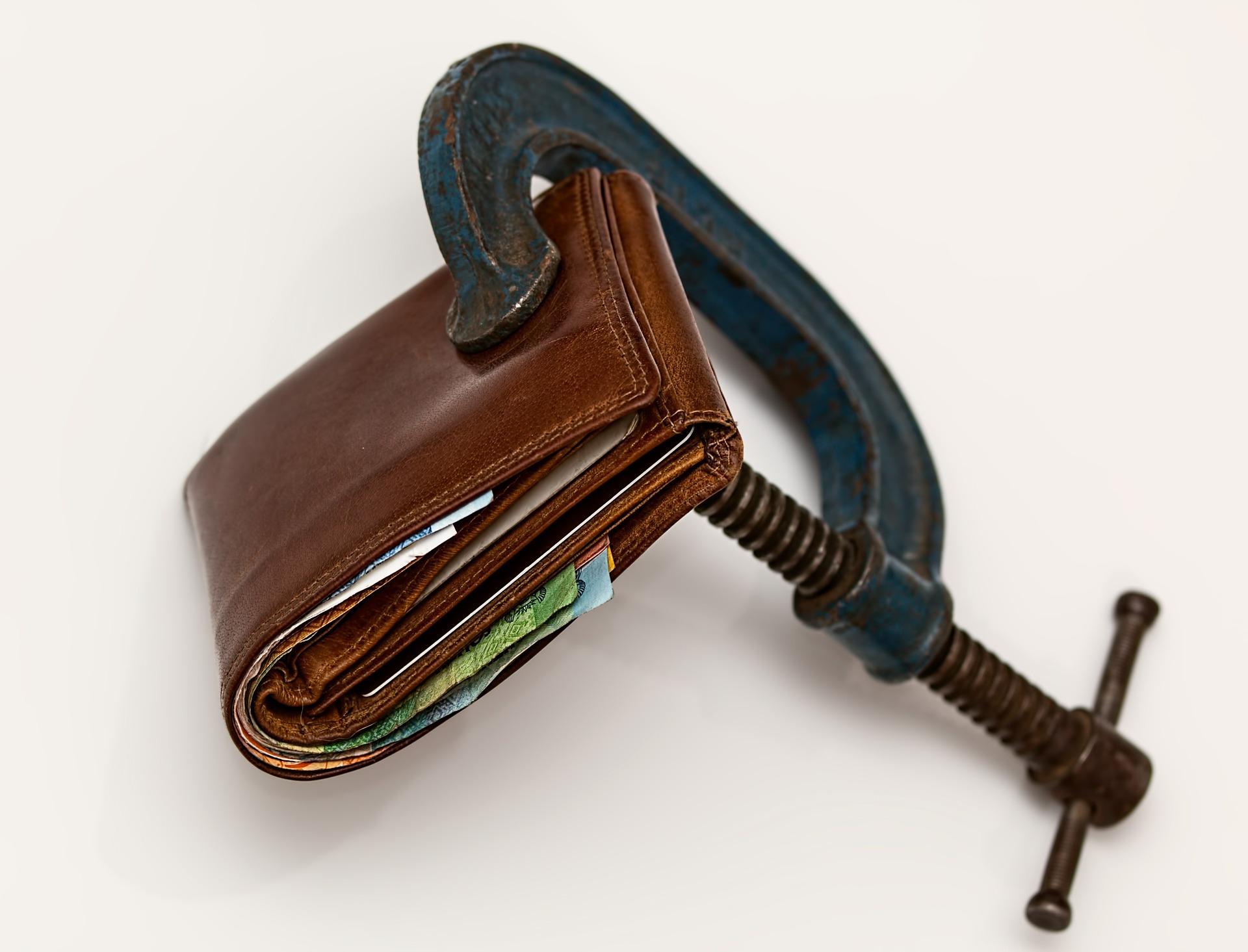 Un ménage surendetté doit à ses créanciers 27 682 euros en moyenne