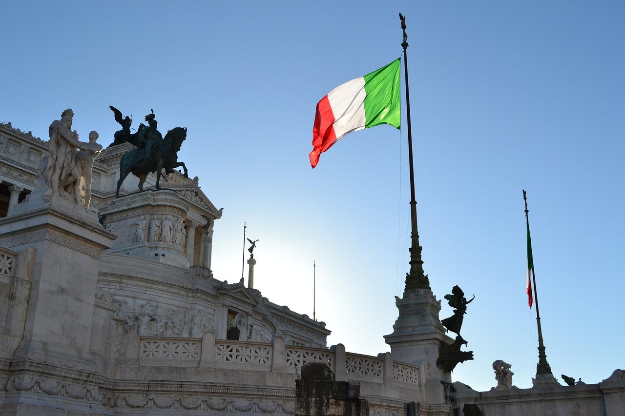 Italie : perspective négative pour les finances du pays