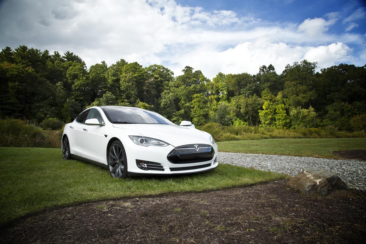 Pour la Model 3, Tesla ferme son réseau de concessionnaires