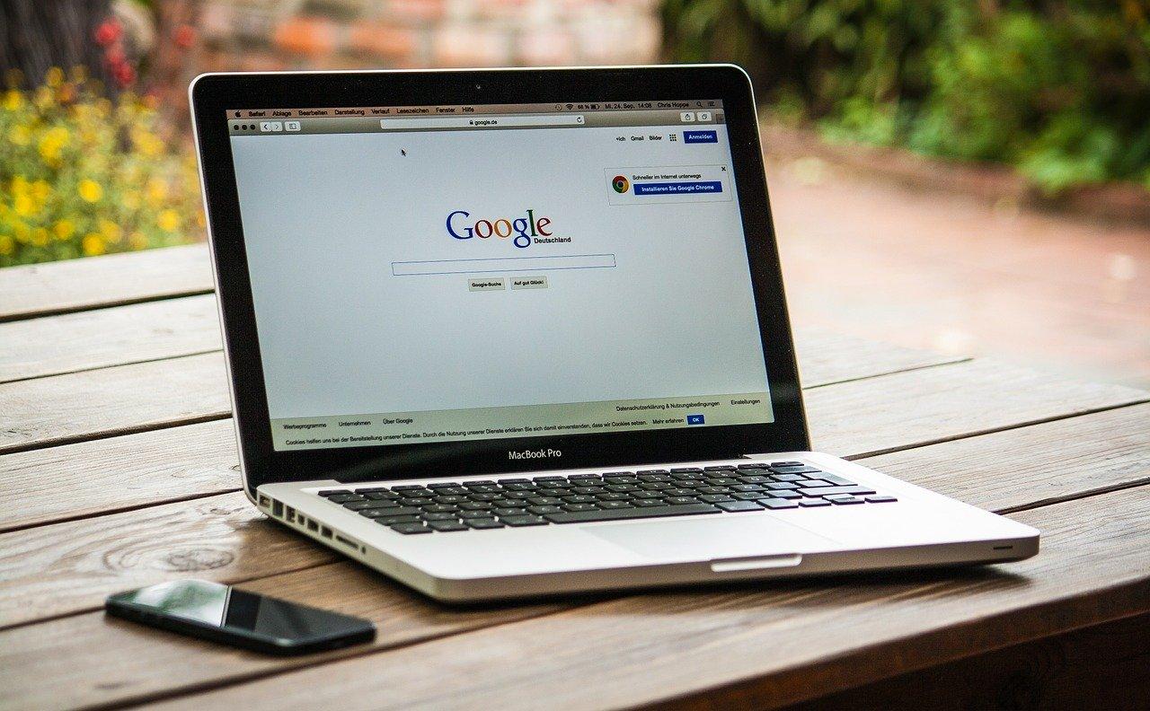 Le patron de Google prend la tête d'Alphabet